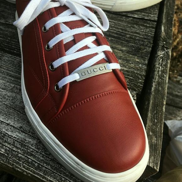 e5e3015c091 Gucci Other - Gucci Plain Leather Sneakers size 10